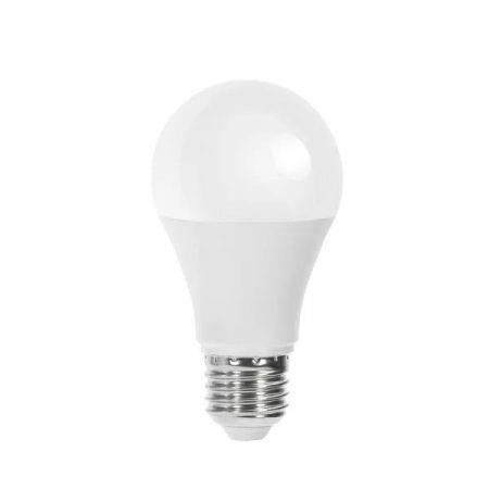 LED izzó E27 10W 280° szórásszögű meleg fehér